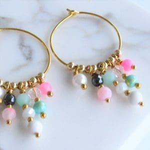 Øreringe creoler i guld med pink turkis og hvide perler guld