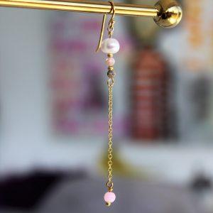 Perle guld ørekrog ørering med kæde ægte ferskvandsperle og pink smykke sten