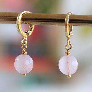 Rosakvarts pink guld øreringe huggies med facetslebne perler