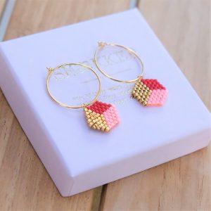 guld Øreringe med røde guld og ferskenfarvede perler