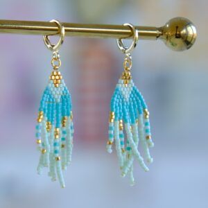 unika forgyldte øreringe med turkis perler
